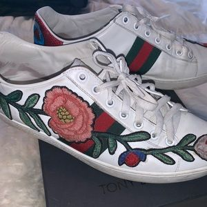Gucci Shoes - Gucci Floral Ace Embroidered Sneakers